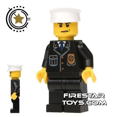Lego City Mini Figure � Police - White Hat